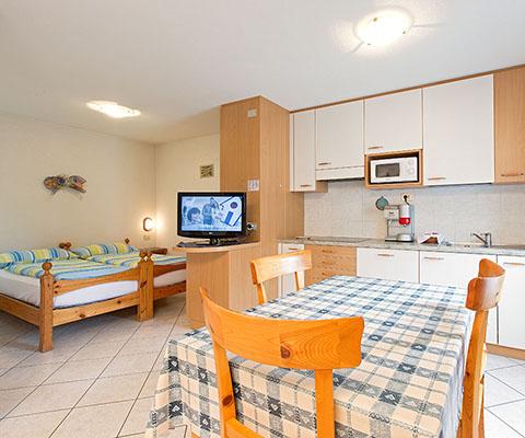 Cucina in legno per appartamento a Livigno